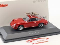 Porsche 911 S Skiurlaub rot 1:43 Schuco