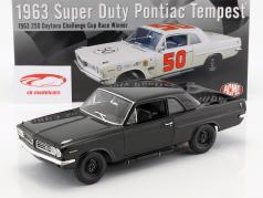 Pontiac Tempest #50 Bouwjaar 1963 Winner 250 Daytona Challenge Cup Race 1963 1:18 GMP