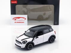 Mini Cooper S Countryman (R60) white / black 1:24 Rastar