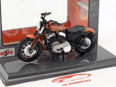 Harley-Davidson XL 1200N Nightster Bouwjaar 2007 bronzen 1:18 Maisto