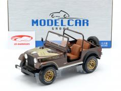 Jeep CJ-7 Golden Eagle Bouwjaar 1976 donkerbruin metalen 1:18 Model Car Group