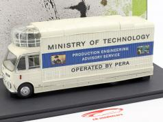 Bedford SB3 Mobile Cinema year 1967 white / blue 1:43 AutoCult