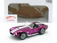 AC Cobra 427 MK2 Bouwjaar 1965 purper / wit 1:18 Solido