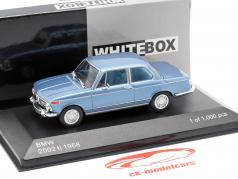 BMW 2002 ti año de construcción 1968 azul claro metálico 1:43 WhiteBox