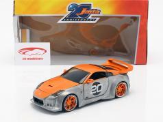 Nissan 350Z #20 Bouwjaar 2003 zilver / oranje 1:24 Jada speelgoed