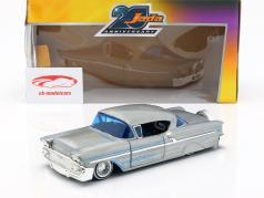 Chevy Impala Hard Top year 1958 silver gray / blue 1:24 Jada Toys