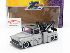 Chevy Stepside sleeptouw vrachtwagen Bouwjaar 1955 zilvergrijs / zwart 1:24 Jada Toys
