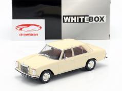 Mercedes-Benz 200D (W115) Baujahr 1968 beige 1:24 WhiteBox
