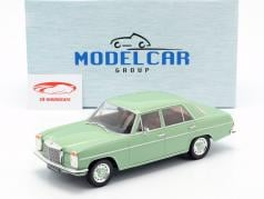 Mercedes-Benz 220D/8 (W115) année de construction 1972 brillant vert 1:18 Model Car Group