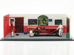 CMC Classic Garage included Alfa Romeo 6C 1750 GS year 1930 1:18 CMC