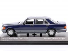 Mercedes-Benz 560 SEL (V126) Bouwjaar 1990 donkerblauw 1:43 Minichamps
