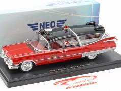 Cadillac Superior ziekenwagen Bouwjaar 1959 rood / zwart 1:43 Neo