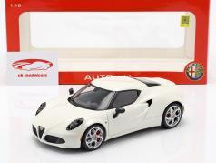 Alfa Romeo 4C jaar 2013 crème wit 1:18 AUTOart