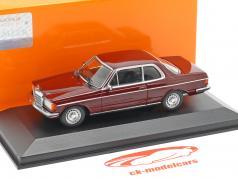 Mercedes-Benz 230CE (W123) ano de construção 1976 escuro vermelho 1:43 Minichamps