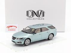 Saab 9-5 Sportcombi ano de construção 2010 prata geleira 1:18 DNA Collectibles