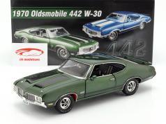 Oldsmobile 442 W-30 ano de construção 1970 verde / preto 1:18 GMP