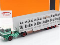 Mercedes-Benz LPS 1632 cattle trailer green / white 1:43 Ixo