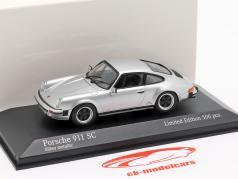 Porsche 911 SC ano de construção 1979 prata metálico 1:43 Minichamps