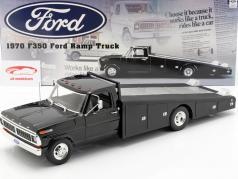 Ford F350 Ramp Truck Bouwjaar 1970 zwart 1:18 GMP