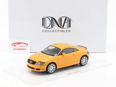 Audi TT 3.2 Baujahr 2003 papaya orange 1:18 DNA Collectibles