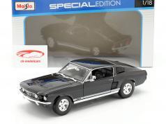 Ford Mustang GTA Fastback ano 1967 preto 1:18 Maisto