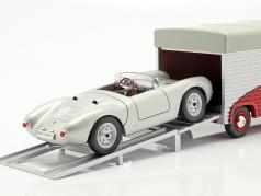Volkswagen VW T1b Porsche Renntransporter Continental Motors rot 1:18 Schuco