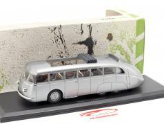 Skoda 532 Autobahnbus Bouwjaar 1938 zilver 1:43 AutoCult