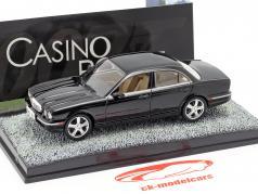 Jaguar XJ8 película de James Bond Casino Royale de coches Negro uno y cuarenta y tres Ixo