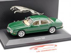 Jaguar XJ8 year 1998 green 1:43 Atlas