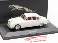 Jaguar 240 built in 1960 white 1:43 Atlas