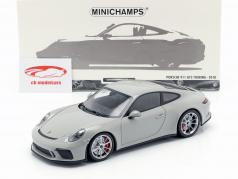 Porsche 911 (991 II) GT3 Touring ano de construção 2018 giz cinza 1:18 Minichamps