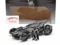 Batmobile met Batman figuur film Justice League (2017) grijs 1:24 Jada Toys