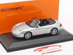 Porsche 911 (996) Cabriolet ano de construção 2001 prata 1:43 Minichamps