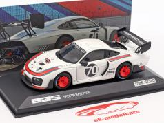 Porsche 935 #70 Spectrum Edition (com base em 911 (991.2) GT2 RS) 1:43 Minichamps