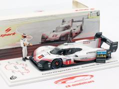 Porsche 919 Hybrid Evo mit Figur #1 Rundenrekord Nürburgring 2018 T. Bernhard 1:43 Spark