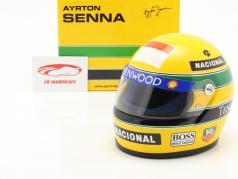 Ayrton Senna McLaren MP4/8 #8 fórmula 1 1993 casco 1:2