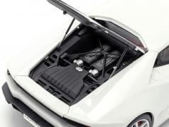 Lamborghini Huracan LP 610-4 Año 2014 blanco 1:18 AUTOart