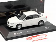 Seat Exeo Limousine candy blanc 1:43 Seat