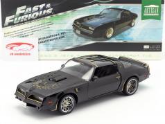 Tego's Pontiac Firebird Trans Am ano de construção 1978 filme Fast & Furious IV 2009 preto 1:18 Greenlight