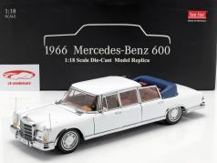 Mercedes-Benz 600 Landaulet jaar 1966 wit 1:18 SunStar