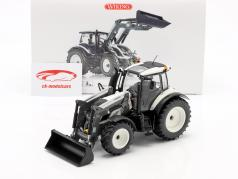 Valtra T174 tractor con frente cargador blanco / negro 1:32 Wiking