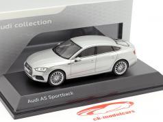 Audi A5 Sportback 築 2017 florett銀 1:43 Spark