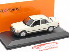Mercedes-Benz 190E Bouwjaar 1984 wit 1:43 Minichamps
