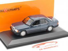 Mercedes-Benz 190E Bouwjaar 1984 blauw metalen 1:43 Minichamps