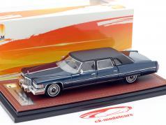 Cadillac Fleetwood Series 75 ano de construção 1976 azul escuro 1:43 GLM