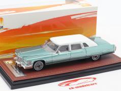Cadillac Fleetwood Series 75 ano de construção 1976 luz verde 1:43 GLM