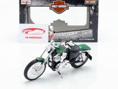 Harley Davidson XL 1200V Seventy-Two 建设年份 2013 绿色 金属的 1:12 Maisto