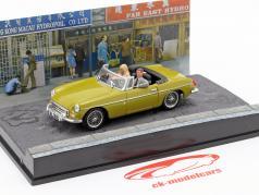 MGB James Bond Movie Car Con personaggi The Man with the golden gun (1974) 1:43 Ixo