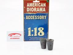 Set avec 2 Poubelles gris 1:18 American Diorama