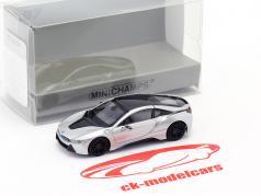 BMW i8 Coupe (I12) Baujahr 2015 silber 1:87 Minichamps